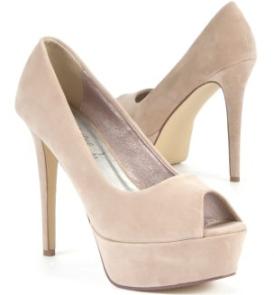 Nude, høye hæler :)